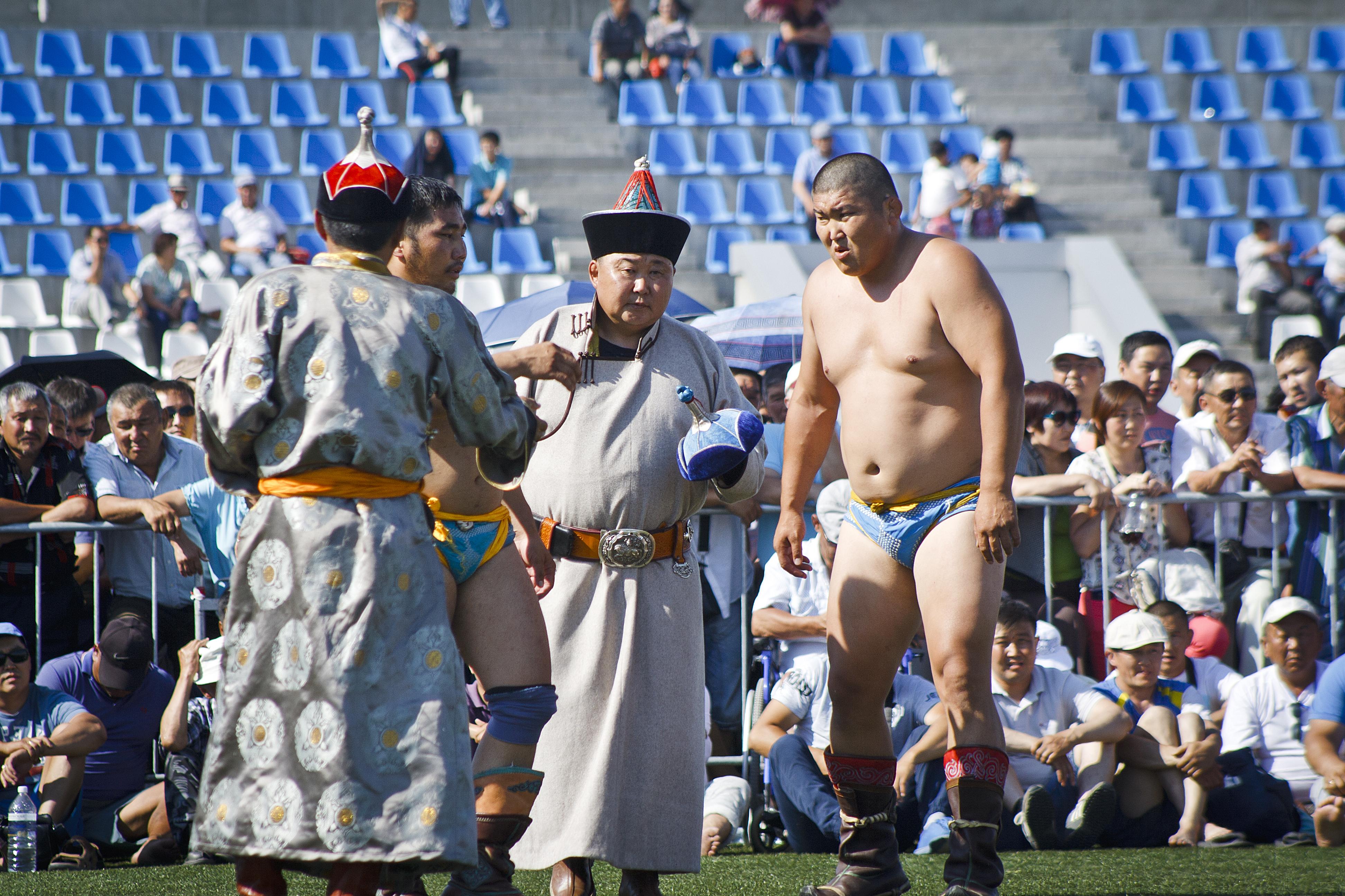 Японки проходят медосмотр 28 фотография